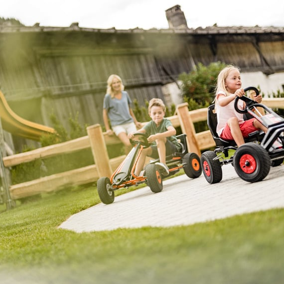 Toni's outdoor children's world