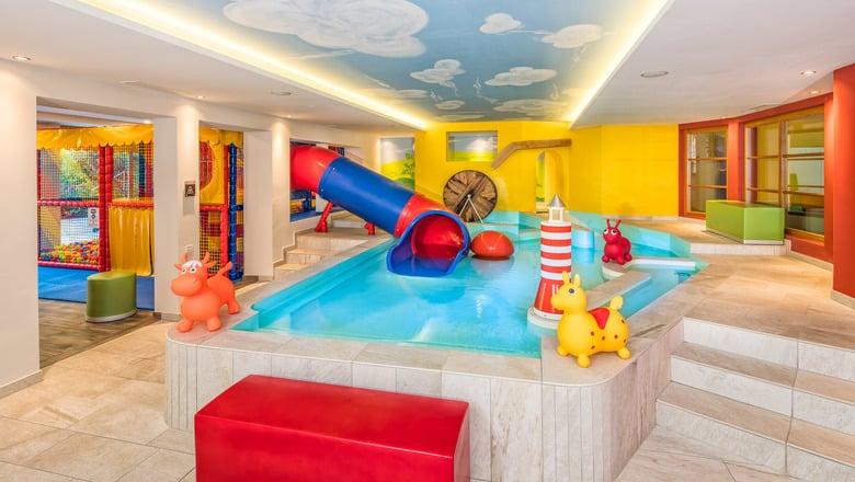 Kinder im Alpin Hotel Masl