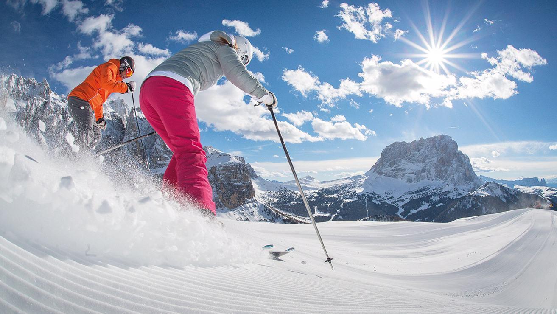White weeks 7=6 ski ticket included